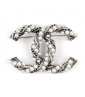 Chanel Brooch Pearls